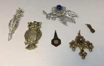 Lot of Brooches and Pendants