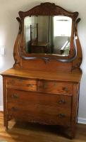 4 Drawer Antique Oak Dresser & Mirror