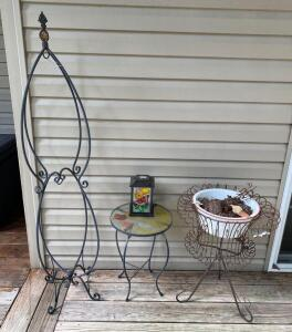 Pot Holders and Plant Stands