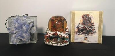 Glass Holiday Light Decor & Grandeur Noel Collectible Water Globe