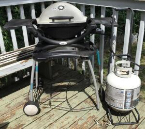 Weber Mini Grill w/ Stand and Full Propane Tank