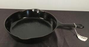 #8 Cast Iron Wagner Ware Skillet