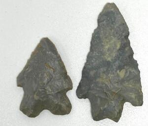 Lot of 2 Arrowheads