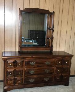 Plymouth Pine Young Hinkle 4 Piece Bedroom Suite