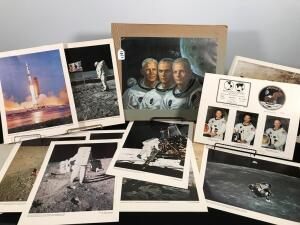 Lot of Apollo 11 Pictures and Newsclippings