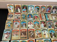 Lot of 1972 Topps Baseball Cards - 2