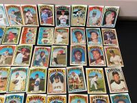 Lot of 1972 Topps Baseball Cards - 3