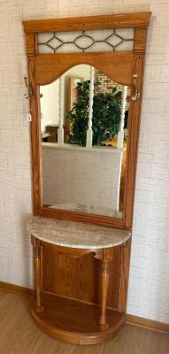 Oak & Marble Entry Butler With Mirror