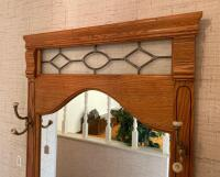 Oak & Marble Entry Butler With Mirror - 3