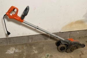 Electric Black and Decker Edger