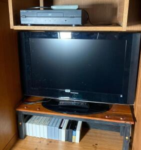 "Samsung 27"" Flat TV & Apex DVD Player"