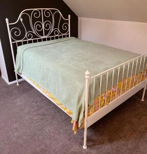 Full Size Bed with Modern Metal Bed Frame