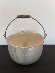 Large aluminum wash bucket