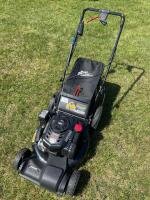 Craftsman 20 inch self propelled lawnmower with bagger