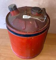 Vintage 5 gallon metal gas can - 2