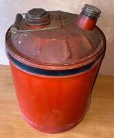 Vintage 5 gallon metal gas can - 3