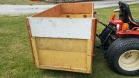 Three point wooden box for compact tractor - 3