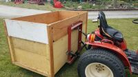 Three point wooden box for compact tractor - 4